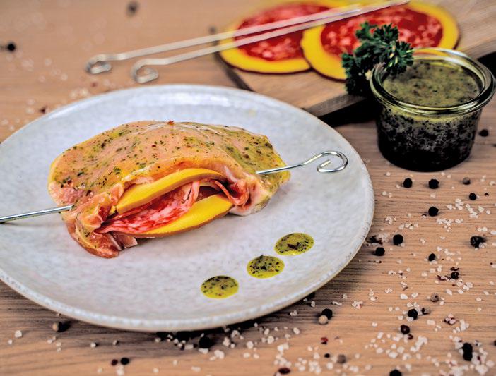 Gevuld filetlapje met rookkaas en salami